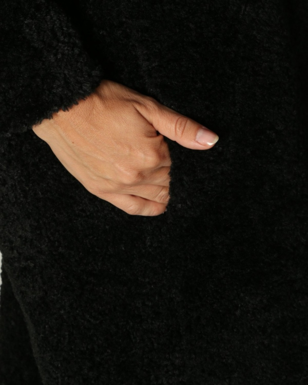 mantel lang 004 black