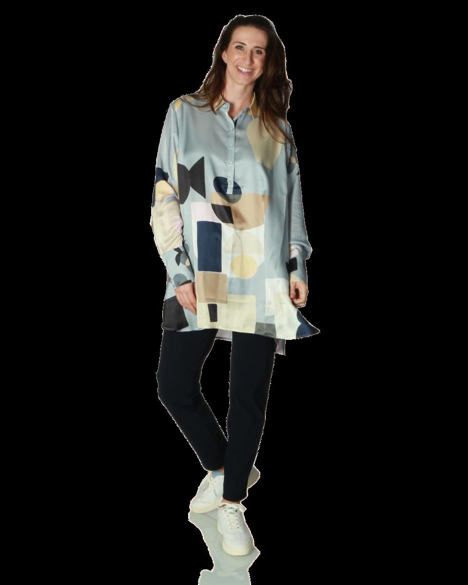 https://www.lutz.nl/media/catalog/product/m/u/munthe-emotional-blouse-print-emotional-36-bleu.png